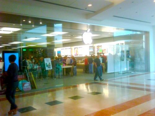Apple store a bergamo inaugurazione