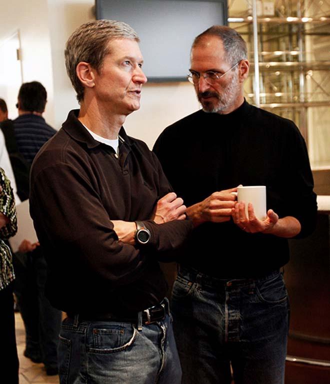 Steve Jobs rassegna le dimissioni da CEO di Apple